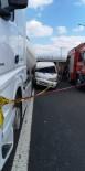 Minibüs, tıra arkadan çarptı açıklaması 1 ölü, 1 yaralı