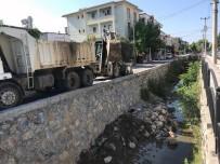 SU TAŞKINI - Muğla Büyükşehir 17 Kilometre Dere Temizliği Yaptı