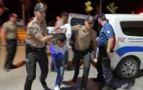 BÖLCEK - Önce Polise Yumruk Attı, Sonra Kendini Kesti