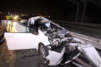 Tırın Altına Giren Otomobildeki Çift Ağır Yaralandı