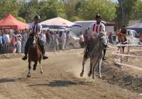 Turgutlu'da Geleneksel Rahvan At Yarışı Heyecanı Yaşandı
