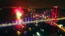 HAVAİ FİŞEK - 15 Temmuz Şehitler Köprüsü'nde Yılbaşı Coşkusu