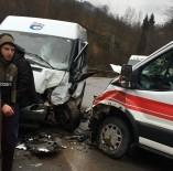 Ambulans Ve Hasta Taşıyan Minibüs Çarpıştı Açıklaması 7 Yaralı