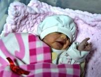 ÇOCUK HASTALIKLARI - Aydın'da 2020'Nin İlk Bebeği 'Nehir' Oldu