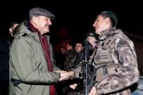Bakan Soylu, Jandarma Ve Polis Kontrol Noktasında Güvenlik Güçlerinin Yeni Yılını Kutladı