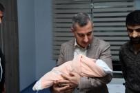 ÖZNUR ÇALIK - Başkan Çınar'dan Azra Bebeğe İlgi