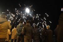 HAVAİ FİŞEK - Çeşme'de Yeni Yıl Coşkusu