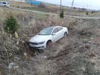 Çorum'da Otomobil Şarampole Uçtu Açıklaması 2 Yaralı