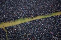 ÇİN - Eylemciler Yılın İlk Gününde Yine Sokaklara Döküldü