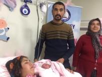 MEHMET TAHMAZOĞLU - Gaziantep'te Yeni Yılın İlk Bebeği Perihan Ilgın