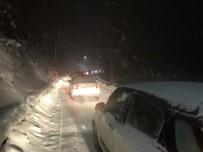 Kar Yağışı Abant Tabiat Parkı Yolunda Trafiği Etkiledi