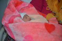 LÖSEMİ HASTASI - Malatya'da 2020'Nin İlk Bebeği Azra Oldu