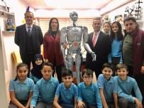 BLUETOOTH - Yaptıkları Robota Vefat Eden Öğretmenlerinin Adını Verdiler