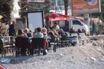 BALIK TUTMAK - Yeni Yılın İlk Gününde Sahillere Akın Ettiler