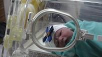 HASTA YAKINI - Yılın İlk Bebeğinin Doktor Babası Heyecandan Koyduğu İsmi Unuttu