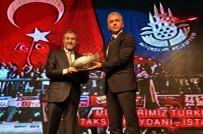 TÜRKIYE FUTBOL FEDERASYONU - A Milli Takım'a, Türkiye'ye Değer Katan Marka Ödülü Verildi