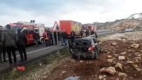 Mardin'de Kamyonet Ve Otomobil Çarpıştı Açıklaması 4 Yaralı