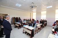 MEHMET TAHMAZOĞLU - Şahinbey Belediyesi'nden Öğrencilere Kaynak Kitap Desteği