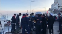 KIYI EMNİYETİ - Tanker Ve Trol Teknesinin Çarpışmasında Yaralananlar Hastaneye Kaldırıldı