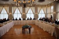 MEHMET ÇELIK - Vali Yaman Gazetecilerle Bir Araya Geldi