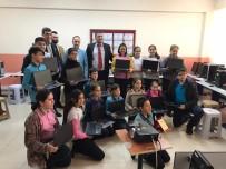 Öğrencilere Bilgisayar Hediye Edildi