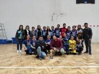 BEDEN EĞİTİMİ ÖĞRETMENİ - Ortaokul Öğrencilerinin Hentbola İlgisi Başarı Getirdi