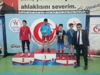 OSMAN GAZI - Uşaklı Öğrenci 'Halter Şampiyonası'nda' Türkiye 2. Oldu