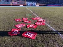 Zonguldak Kömürsporlu Futbolcular Formalarını Sahaya Bıraktı