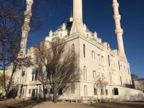 Cami Duvarına Yazılan Çirkin Yazıya Tepki