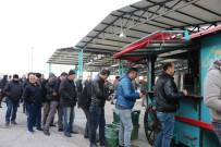 Manisa Açık Oto Pazarı Sıcak Çorbayla Isındı