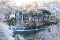 ŞELALE - Sivas'ta Gölet Ve Şelaleler Buz Tuttu