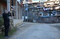 Uşaklı Fotoğrafçılar Demirci'nin Sanatkarları Ve Güzelliklerini Çekti