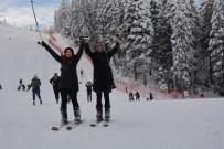 Artvin'de Hafta Sonu Atabarı Kayak Merkezi Doldu Taştı