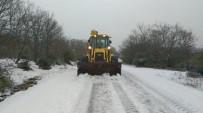 Belediye Ekipleri Karla Mücadele Ediyor