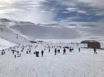 Bingöl'de Kayak Merkezi Yoğun İlgi Görüyor