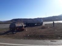 Boyabat'ta Traktörle Kamyon Çarpıştı Açıklaması 1 Yaralı