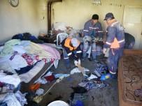ÇÖP EV - Bu evden 10 ton çöp çıktı