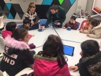 ROBOT - Çocuk Meclisi Üyeleri Robotik Kodlamayı Deneyimledi