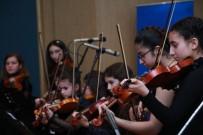 ÇOCUK KOROSU - Genç Müzisyenler Göz Doldurdu