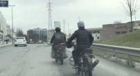 Kasksız Motosikletli, Yakıtı Biten Başka Bir Motosikleti İple Çekti