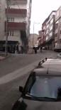 (Özel) Gaziosmanpaşa'da Sokak Ortasında Dehşet Açıklaması Kadını Sopayla Dövdü