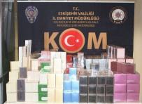 Polisin 'Dur' İhtarına Uymayan Araçtan Bin 159 Adet Kaçak Parfüm Çıktı