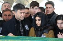KARŞIYAKA - Şarkıcı İzzet Yıldızhan'ın Annesi Toprağa Verildi