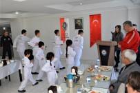 EMNIYET GENEL MÜDÜRLÜĞÜ - 'Sokaktan Spora' Projesine Katılanlar Gösteri Yaptı