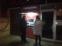 Sultanbeyli'de 3 ATM Ateşe Verildi