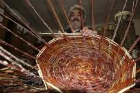 SONBAHAR - 40 Yıldır Söğüt Ağacından Sepet Yapıyor