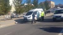 Diyarbakır'da Feci Kaza, Araçtan Fırlayan Vatandaş Ağır Yaralandı