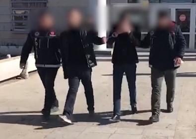 Onlar Kaçtı Polis Yakaladı, 5 Bin Adet Uyuşturucu Hap Çıktı