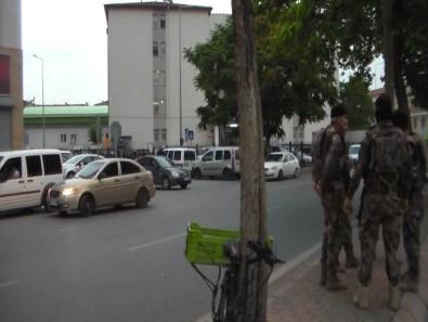 Operasyon Sırasında Polisi Tabancayla Yaralayan Şahıs Yakalandı