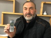 Bursa'da 18 yıldır bu tuşlu cep telefonunu kullanıyor